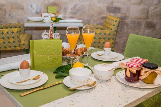 Frühstück im Hotel Lemongarden