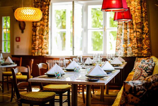 Gedeckter Tisch im Restaurant Knappenhof