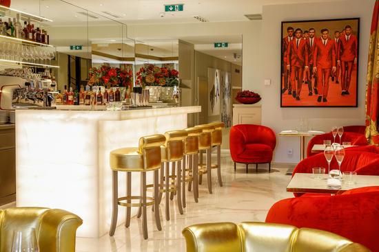 Feine Spirituosen und edle Destillerien in der Bar im Hotel Das Tyrol