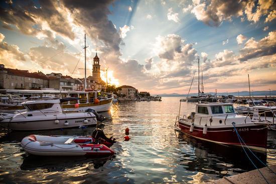 Hafen von Sutivan