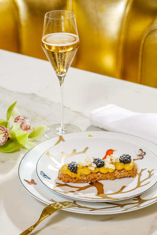 Champagner & Eclairs