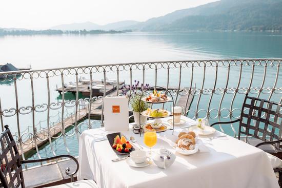 Frühstück auf der Terrasse